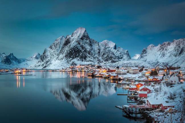 Noruega_islas-Lofoten-Reine_500px_100050585_Kenneth Schoth_500px