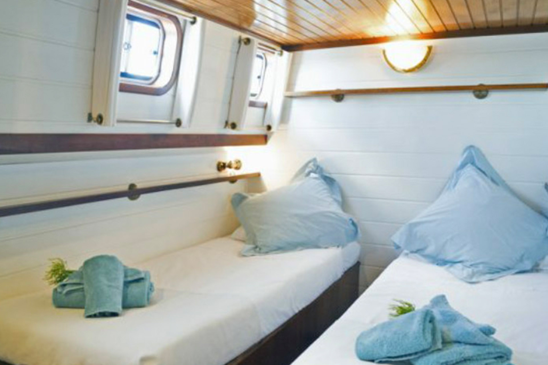athos-barcaza-4